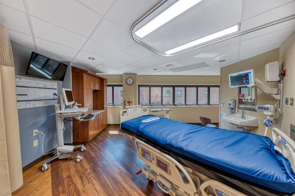 Memorial Medical Center (ICU)